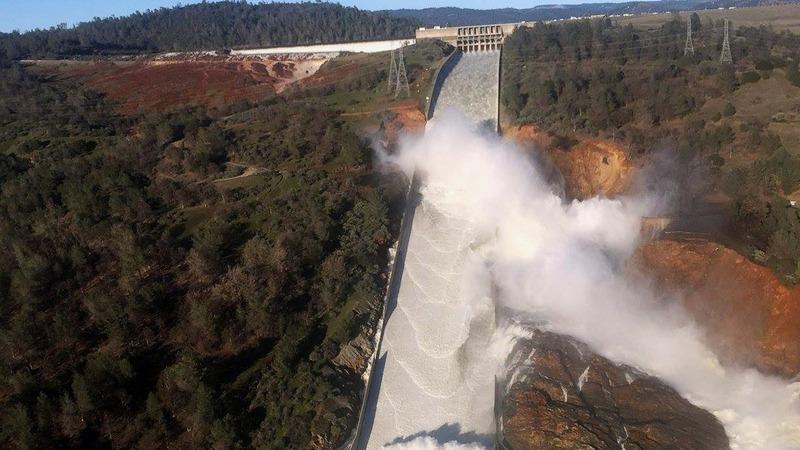 U.S. dam risk triggers urgent evacuation
