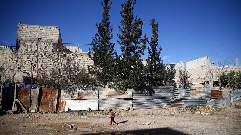 Delays, downgrades haunt Syria talks