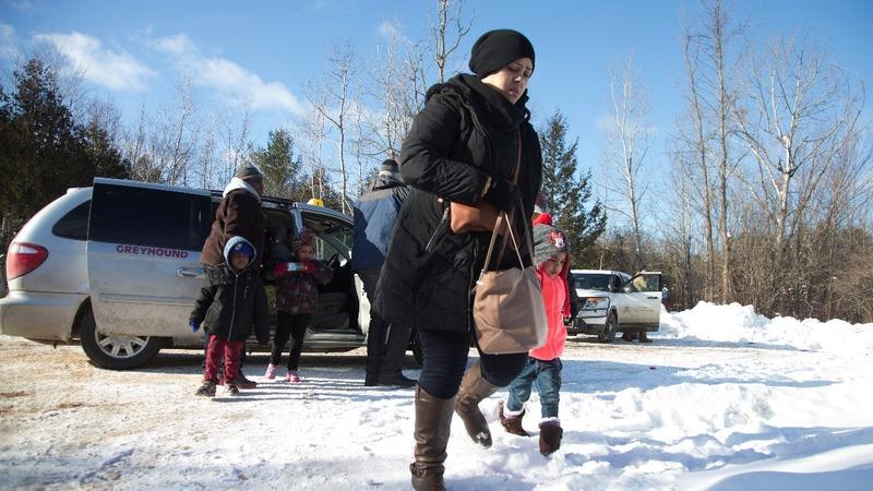Refugees rush for U.S.-Canadian border