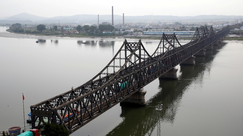 N Korean coal ban squeezes Chinese border town