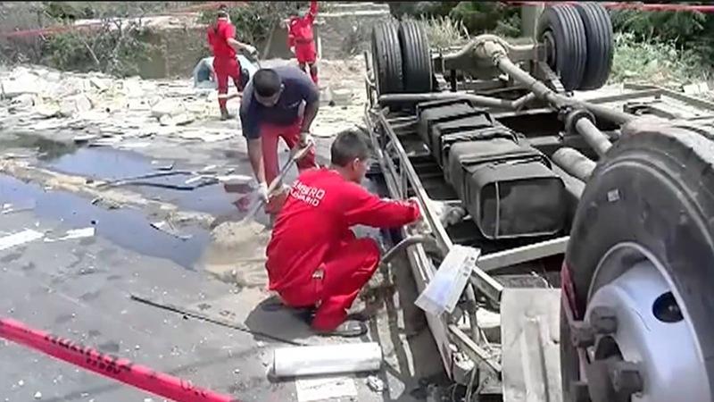 At least 18 killed in Peru highway crash