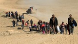 Civilians flee as Iraqi forces push Into western Mosul
