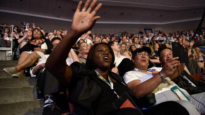 Democrats set to pick new leader to battle Trump