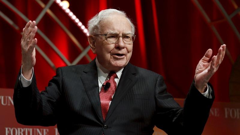 Buffett gets a big appetite for Apple