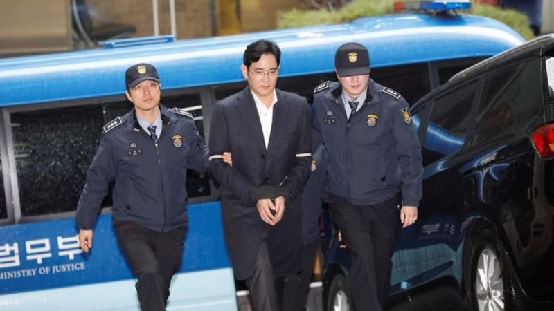 Samsung's Lee likely to face indictment over scandal