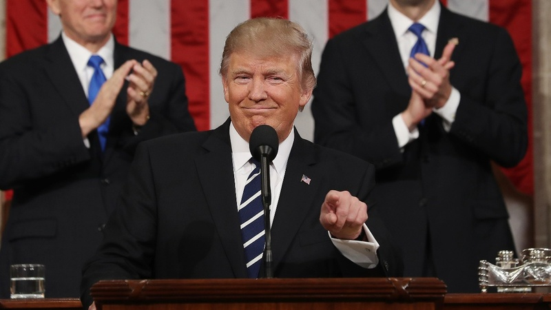 Trump touts unity & strength in speech to Congress