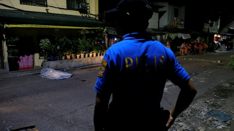 More bodies as Philippines cops brace to re-enter the drug war