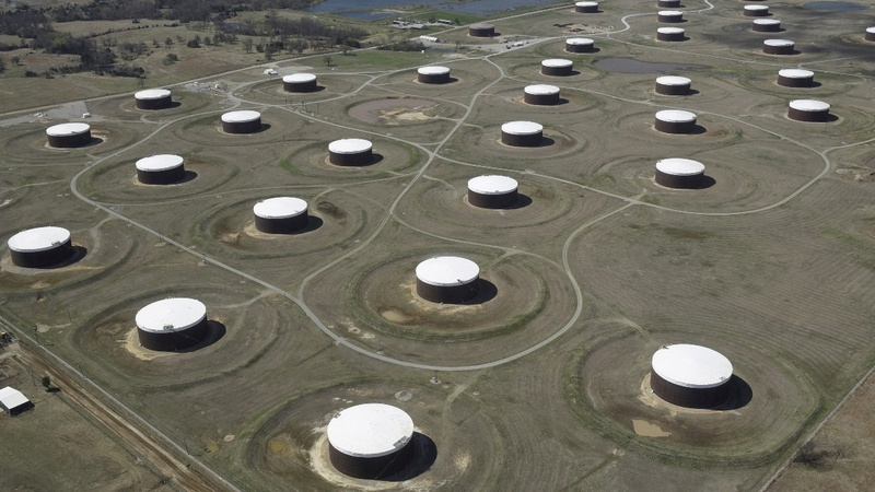 Oil prices extend biggest falls of the year