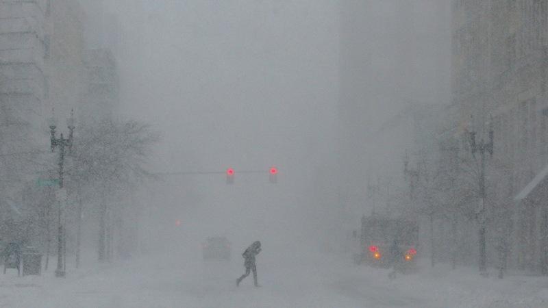 Snowstorm blankets Northeastern U.S.