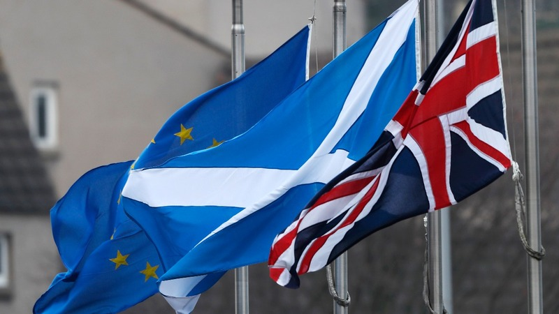 How can an independent Scotland stay in the EU?