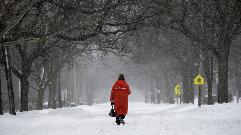 Winter storm pounds Northeast; big cities spared the worst