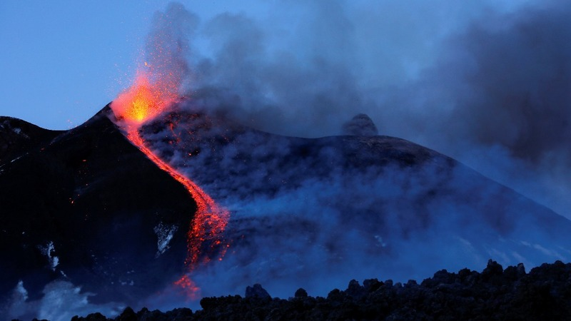 Volcanic explosion on Mount Etna injures 10