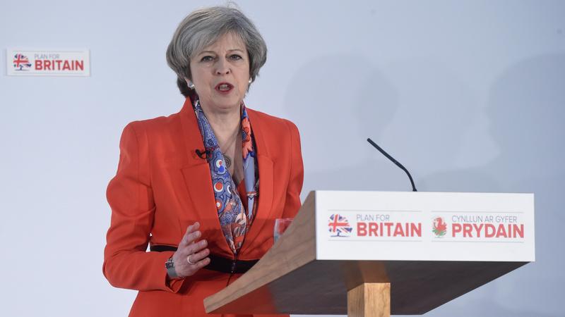 UK PM tours Britain to tout Brexit unity