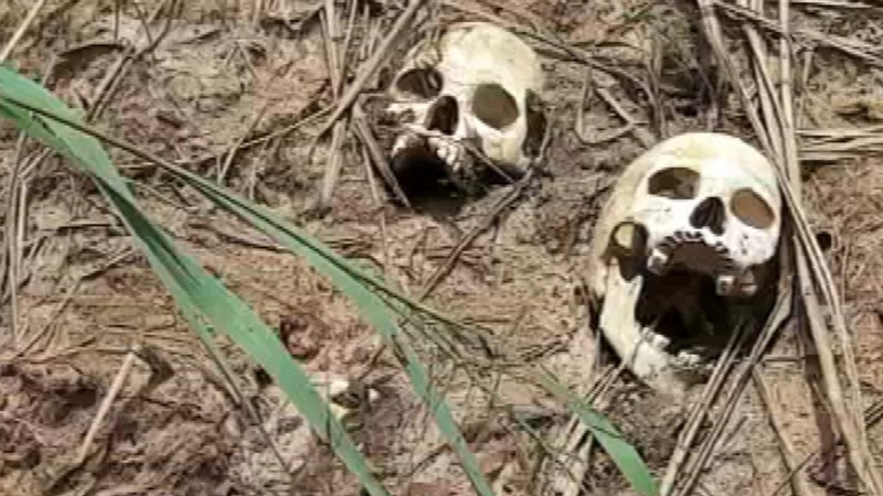 Congo mass graves bear witness to growing violence