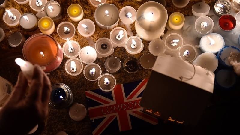 Hundreds gather for London attack vigil