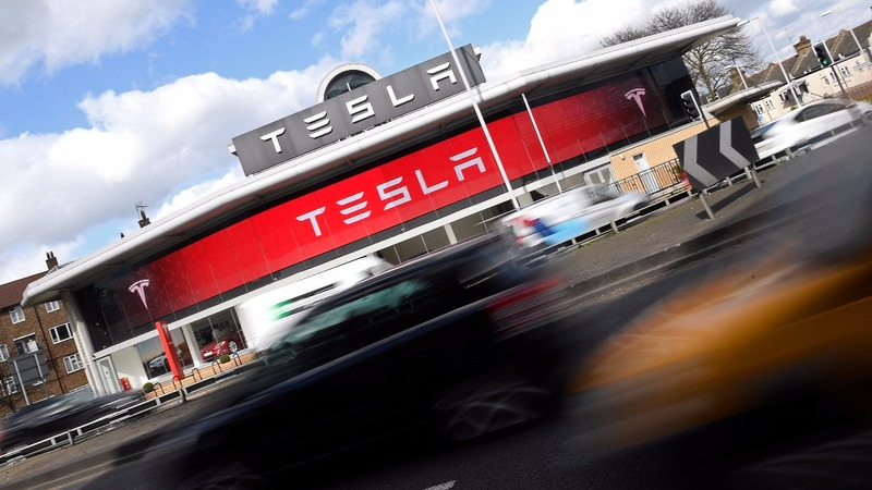 Tesla gets a boost from Tencent investment