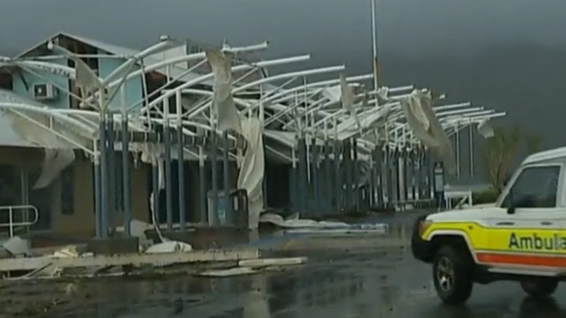 Cyclone Debbie leaves trail of destruction in Australia