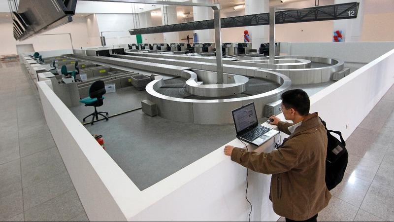 Plane laptop ban may compromise safety - regulator