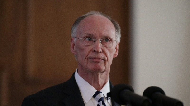 Alabama governor resigns after sex scandal spurs charges
