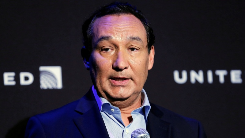 United Airlines CEO apologizes after backlash over video