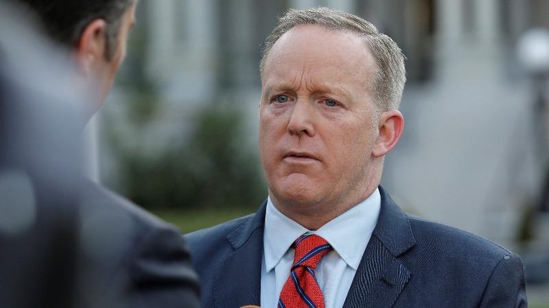 Spicer apologizes for Hitler remark