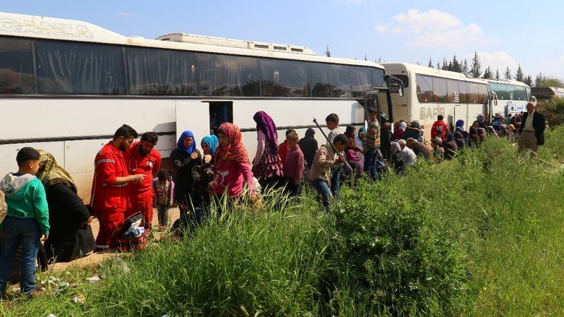 Evacuees killed in Syria bus convoy blast