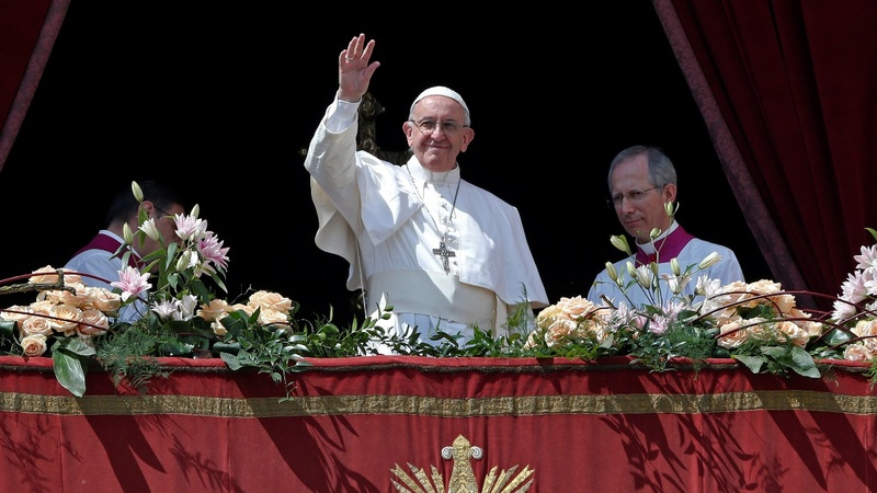 Pope leads Easter mass in St. Peter's Square