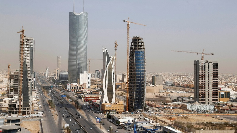 Oil prices force Riyadh to cut billions in spending