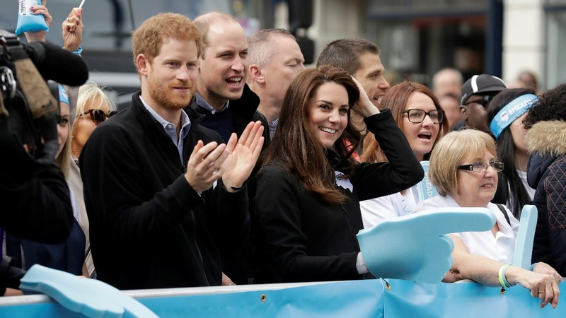 INSIGHT: Royals cheer London marathon runners