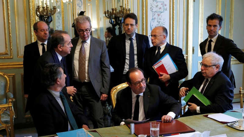Defeated French parties hold crisis talks