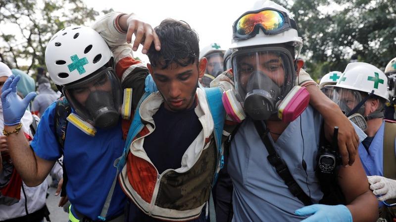 Injured Venezuelan protesters struggle to find medicine