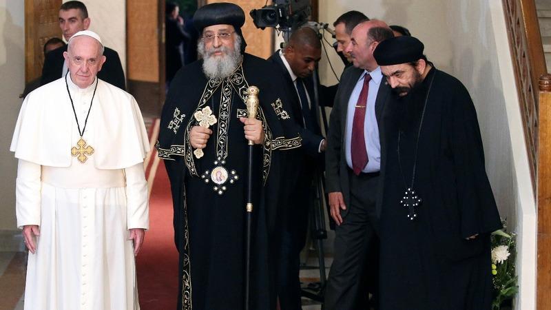 Pope celebrates Mass in Cairo, urges unity