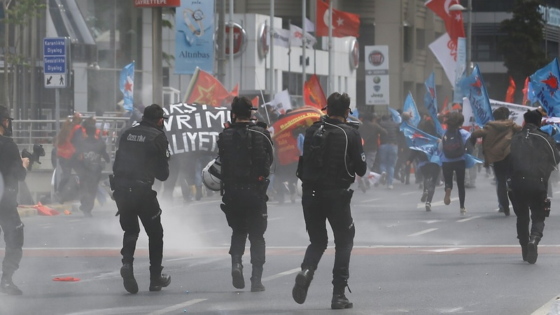 Hundreds detained at Istanbul May Day protests