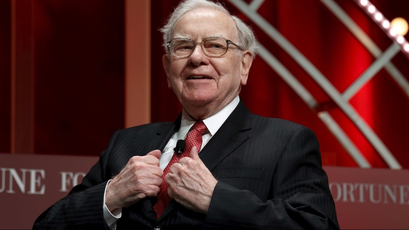 Buffett speaks - and IBM's stock plunges