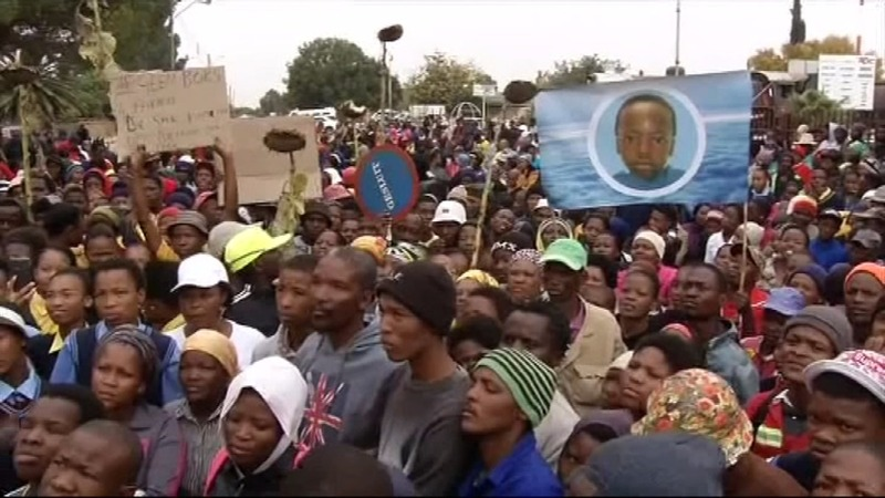 Teen's death sparks violence in S. Africa