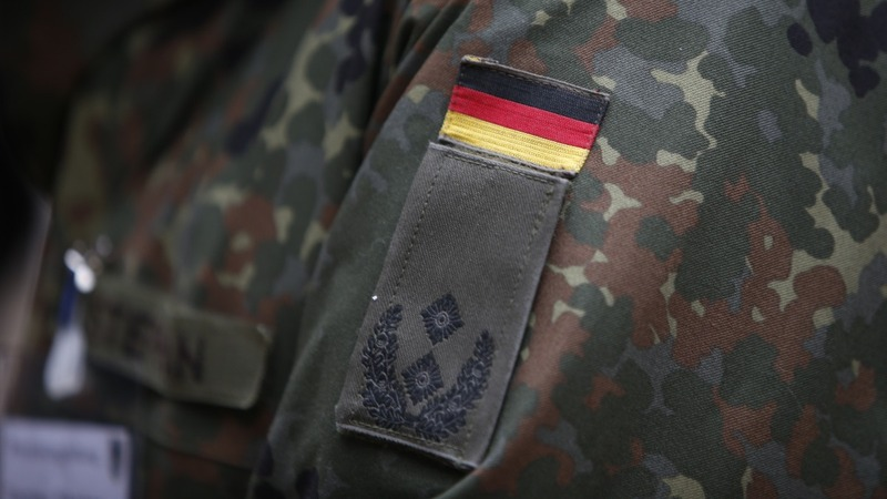 Militant neo-Nazi soldier's plot shocks Germany