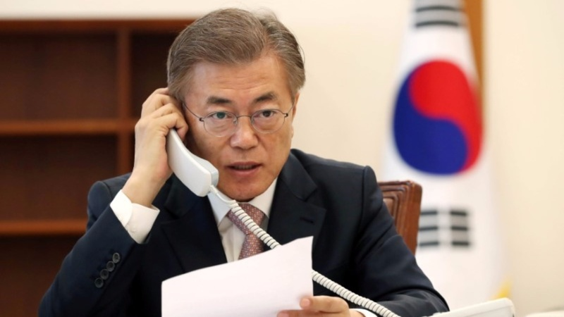 South Korea's Moon discusses North with China's Xi