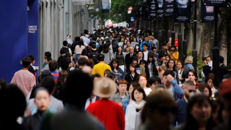 Japan hits longest GDP growth run in a decade