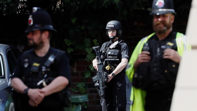 Police hunt UK bomber's network, angered by U.S. leaks