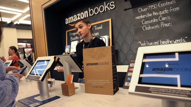 Amazon bookstore joins bricks-and-mortar foes