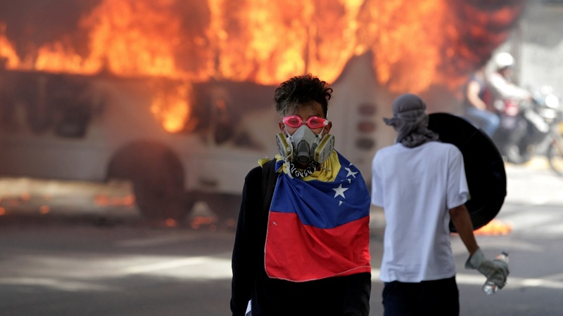 Venezuela cracks down on protest coverage