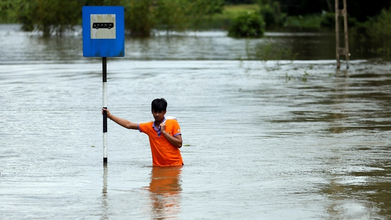 Nearly a hundred dead in Sri Lanka floods