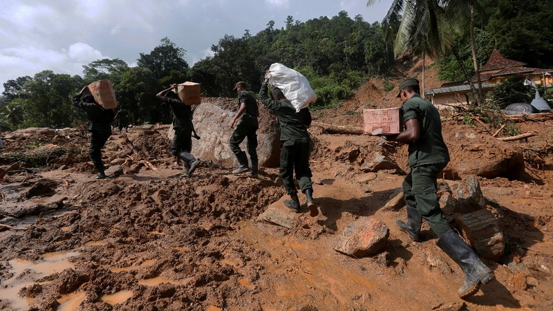 Death toll rises as landslide risks mount in Sri Lanka