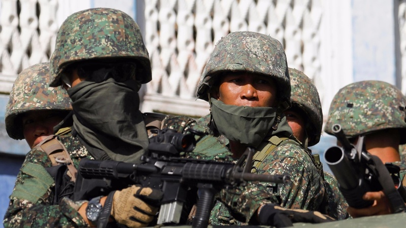 Philippines army struggles to drive out Islamist rebels