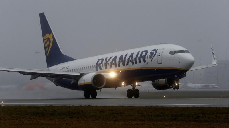 Ryanair enjoys record profit, BA stumble