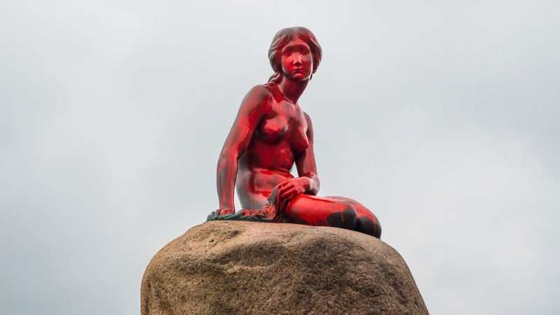 Denmark's 'Little Mermaid' doused in red paint