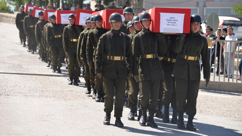 Turkey helicopter crash: soldiers honoured