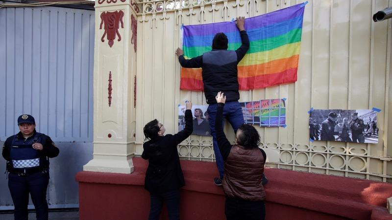 Russia angry over 'gay propaganda' ruling