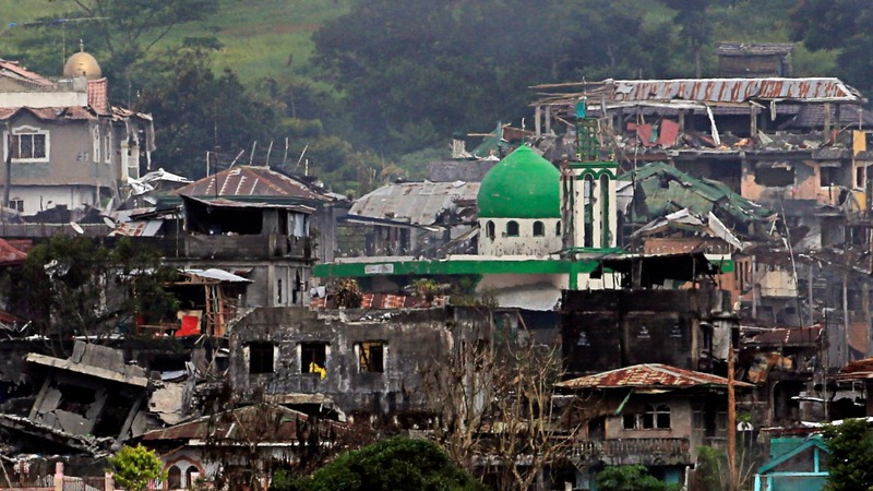Philippines forces say militants are trapped in Marawi
