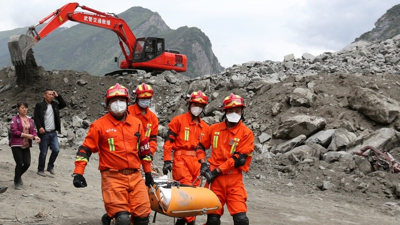 Hopes fade for victims of China landslide